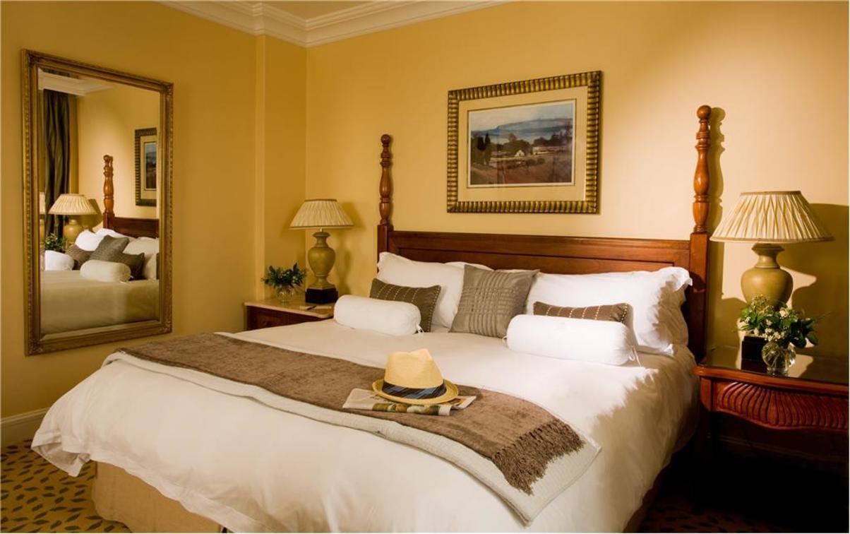Luxury King Room1