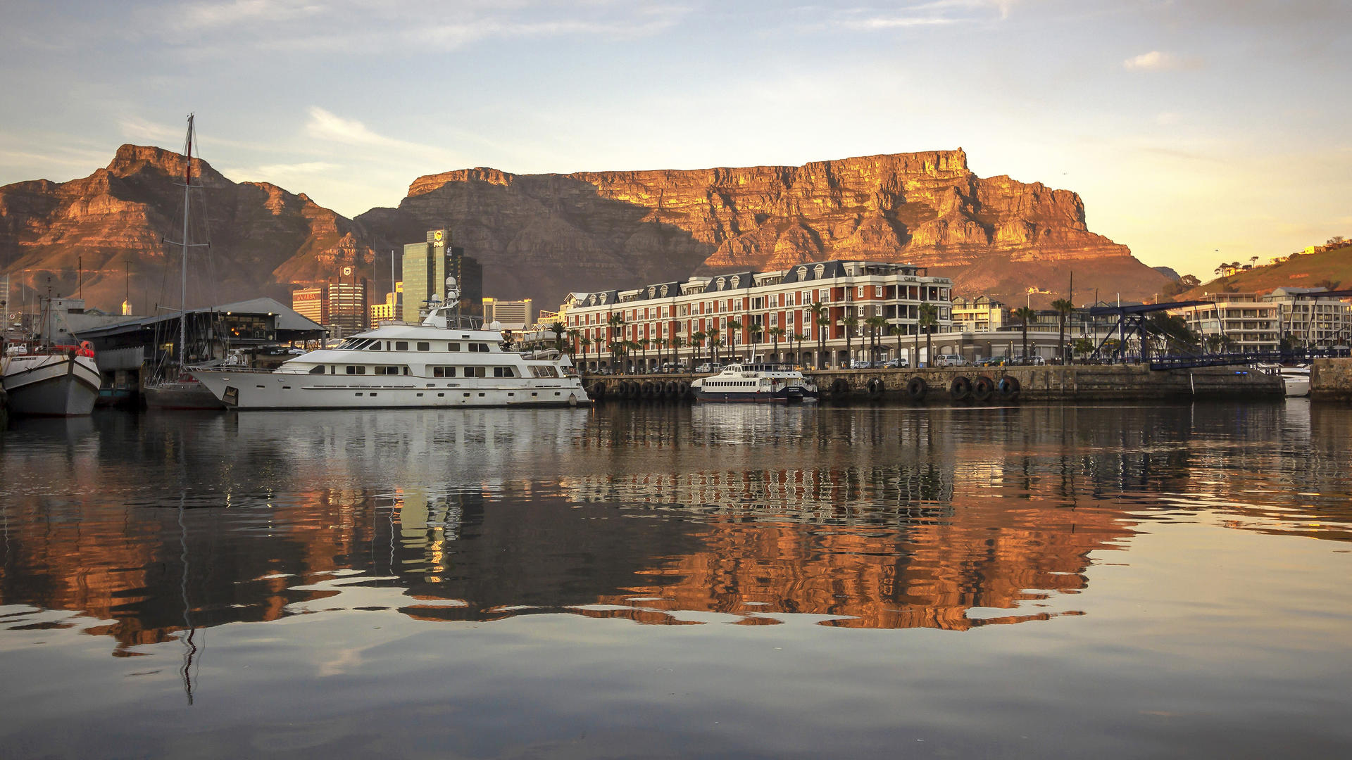 Cape Grace Hotel with backdrop