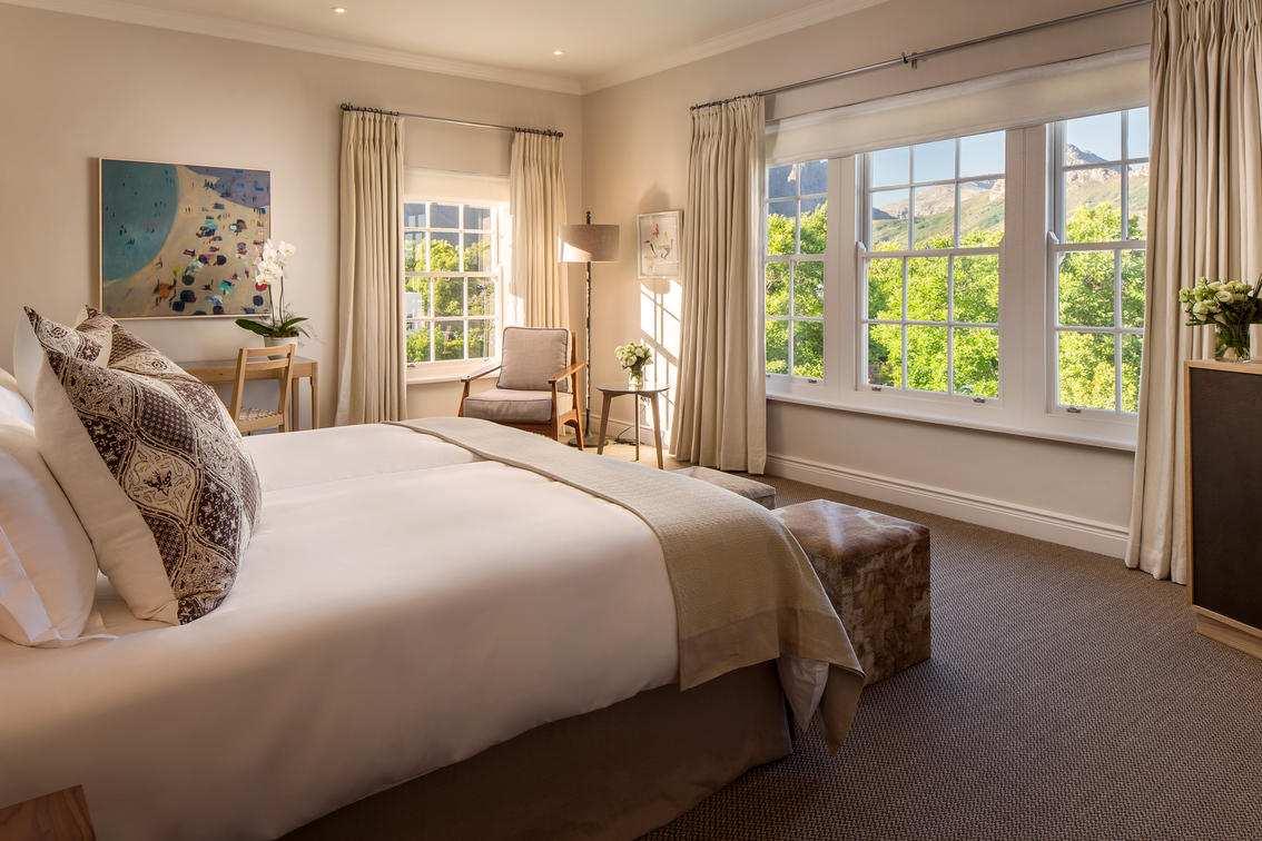 deluxe_room_at_leeu_house