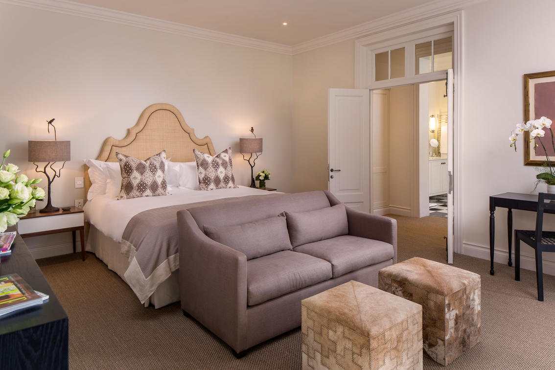 grande_suite_with_terrace_at_leeu_house_2