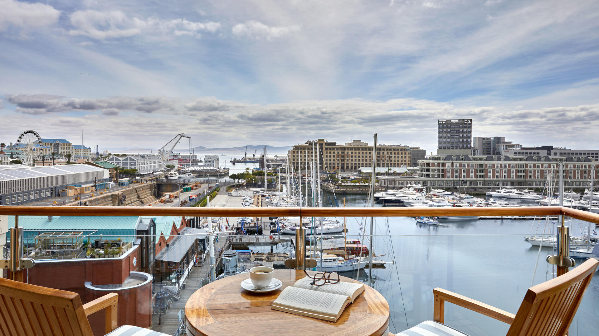 oo_capetown_accommodation_marinaharbour_view_420-0034