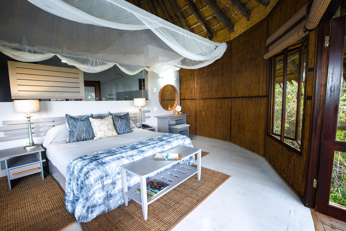 y-ad1a4792_-_double_bedroom_interior_ocean__forest_view